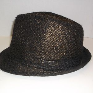 Black gold flakes 100% Poly Male Hat size one